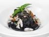 Tagliolini al nero di seppia con calamaretti
